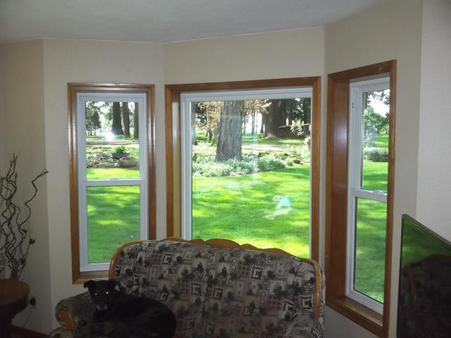 Oregon City, OR - Replaced 17 aluminum windows and 1 patio door.