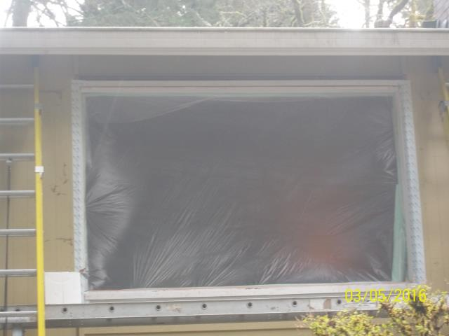 Lake Oswego, OR - Five windows installed with truscene in kitchen and living room.