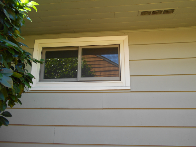 Hillsboro, OR - 8 aluminum windows replaced with Fibrex windows.