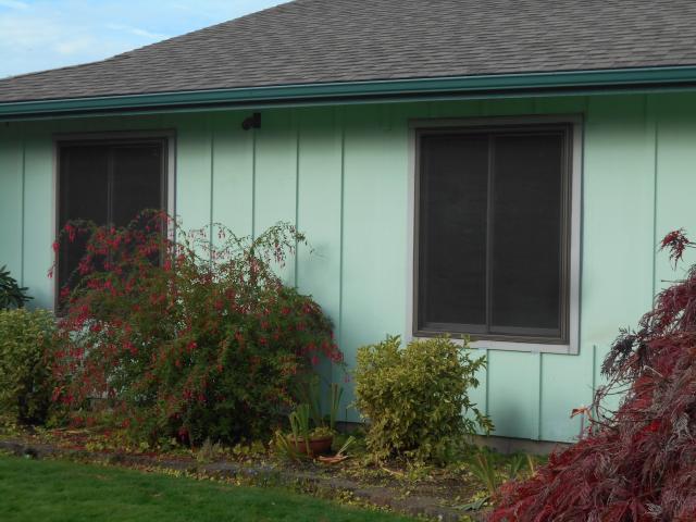 Gresham, OR - 9 windows replaced. Single color terratone.