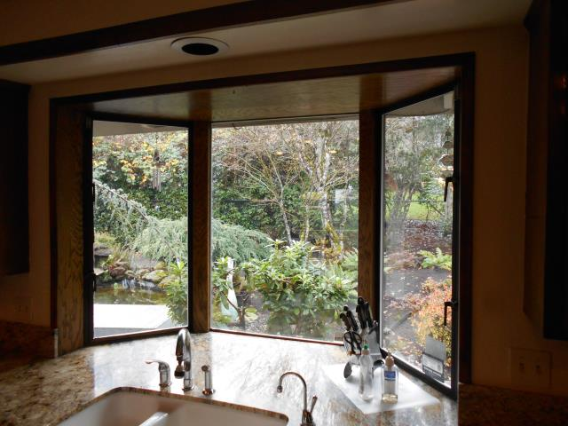 Beaverton, OR - Take a look at this Bay window for this home's kitchen view along in addition to the other 12 windows we replaced in their home.