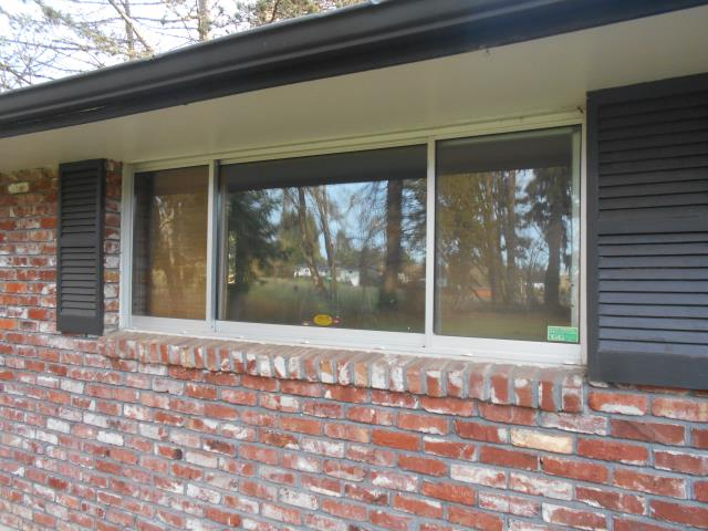 Boring, OR - We replaced 8 beautiful windows for this home.