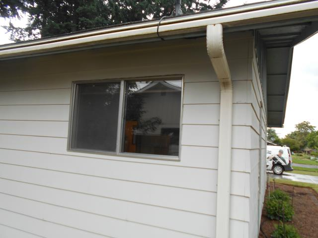 Canby, OR - We replaced 9 windows and a patio door for this beautiful Canby home!
