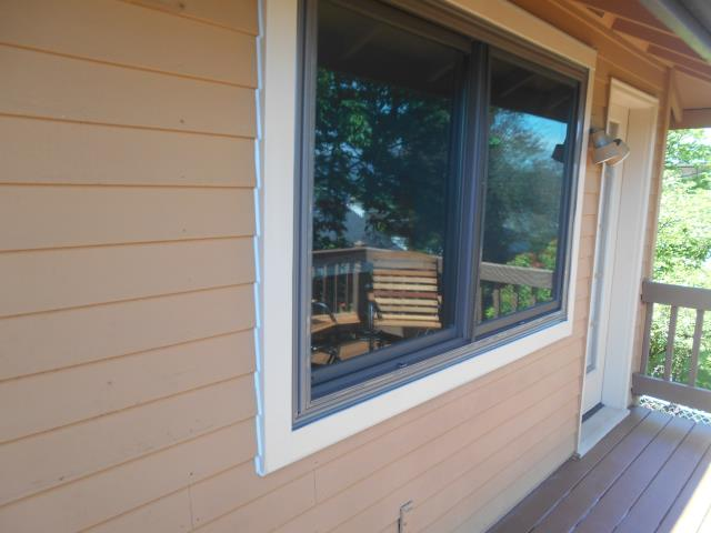 Columbia City, OR - Our professional installers worked hard to replaced 14 windows in this Columbia City home!