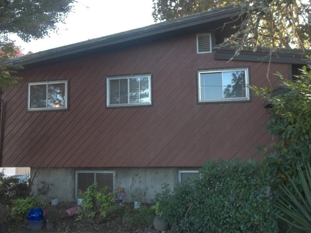 Corbett, OR - We replaced 5 windows and 2 patio doors in this home in Corbett.