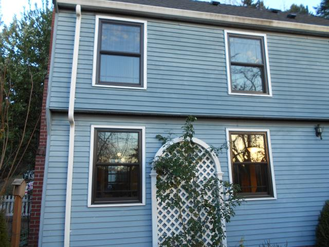 Estacada, OR - Our professional installers worked hard to replace 17 windows in this Estacada home!