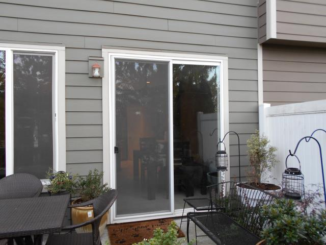 Fairview, OR - Our professional installers at Renewal by Andersen took their time with 3 windows and 1 patio door in this Fairview home!