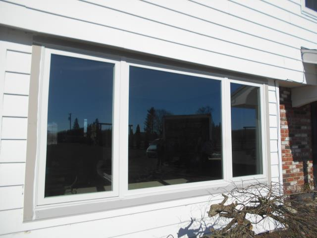 Molalla, OR - We replaced 10 windows and 1 custom window for this great home using our fibrex Andersen windows!