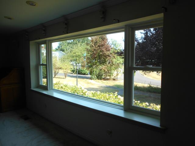 Saint Helens, OR - We installed 3 beautiful windows in this home in Saint Helens!