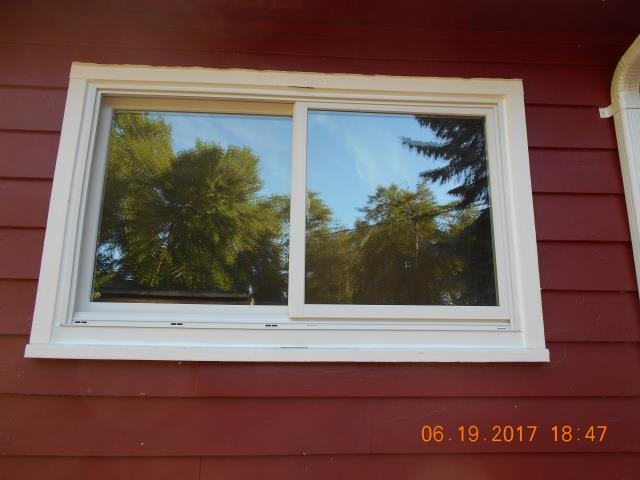 Saint Helens, OR - Our professional installers took only 1 day to put in these new 5 windows for this home!