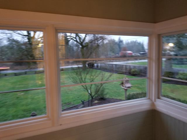 Warren, OR - Our professional installers put in 6 windows and a custom window for this home in Warren, OR!