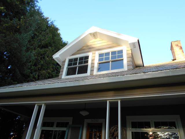 Oregon City, OR - We replaced 11 windows and put in new fibrex Andersen windows for this gorgeous home!