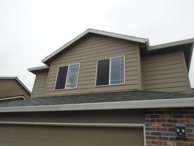 Scappoose, OR - We replaced 6 windows with new Fibrex Andersen windows for this amazing house!