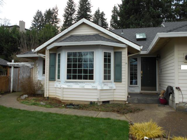 Wilsonville, OR - We installed 14 windows and 2 Andersen patio doors for this gorgeous house in Wilsonville!