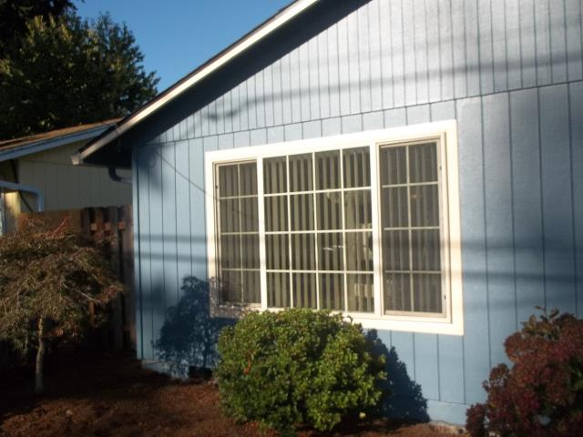 Wilsonville, OR - Our professional installers replaced 7 windows and a patio door for this Wilsonville home!