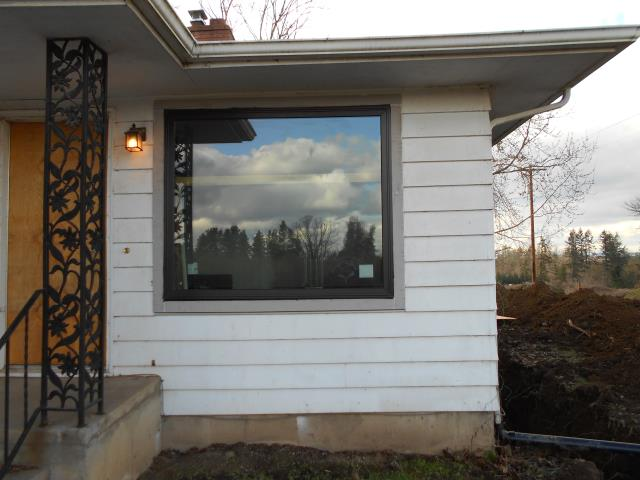Woodburn, OR - We did a full home replacement on 20 windows for this wonderful Woodburn home!