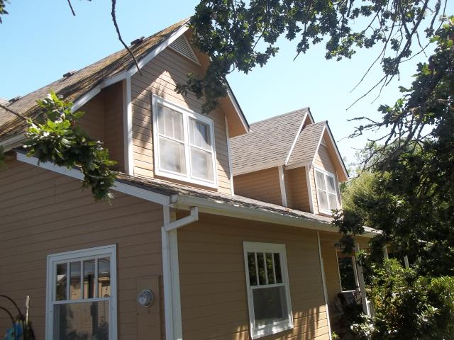 Woodburn, OR - We installed 11 windows in this gorgeous home!