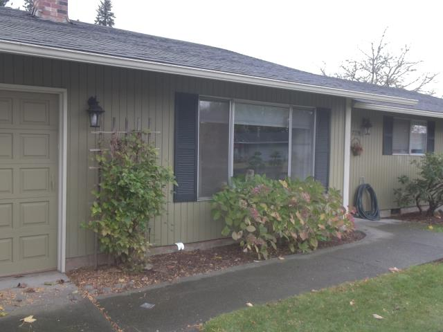 Gresham, OR - We installed 5 windows and lovely patio door for this gorgeous Gresham household!
