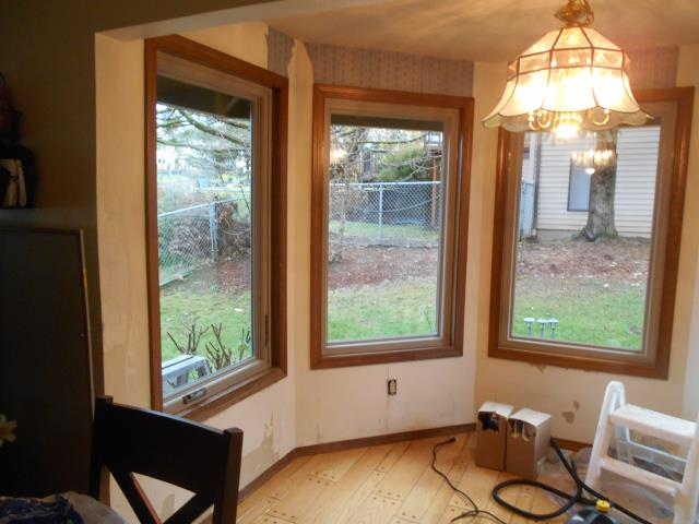 Damascus, OR - Our install crew worked hard to replace casement windows, gliding windows, 2 gliding glass doors, a specialty springline window for a 12 Andersen product replacement job!