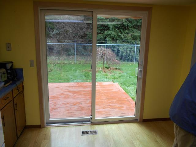 Scotts Mills, OR - Our professional installers replaced a patio door and customized window for this lovely house!