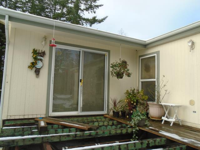 Kalama, WA - We installed 6 replacement windows and 1 patio door in this gorgeous Kalama house!