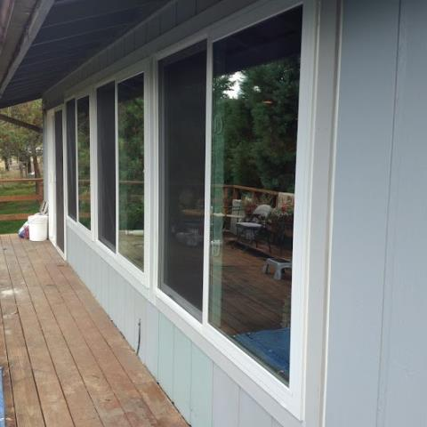 Castle Rock, WA - We installed 11 replacement windows  and 1 patio door for this fabulous house in Castle Rock!