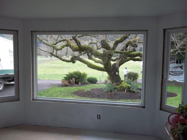 Springfield, OR - We installed 14 replacement windows for this gorgeous home in Springfield!