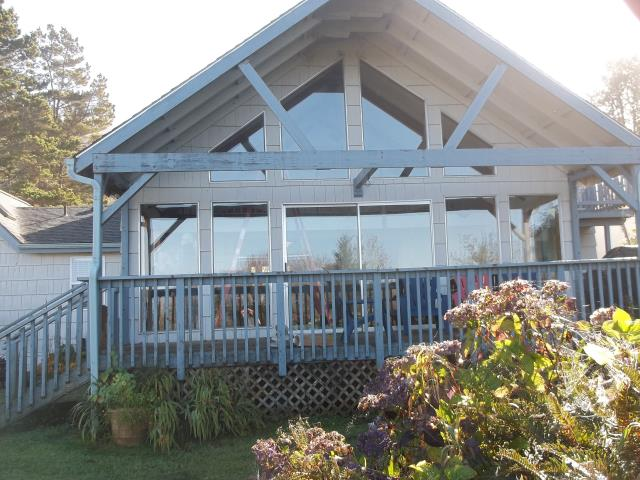Cloverdale, OR - We replaced 13 windows and a patio door for this lovely home!