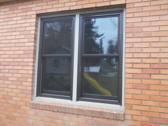 Dayton, OR - We installed 13 replacement windows for this gorgeous Dayton home!