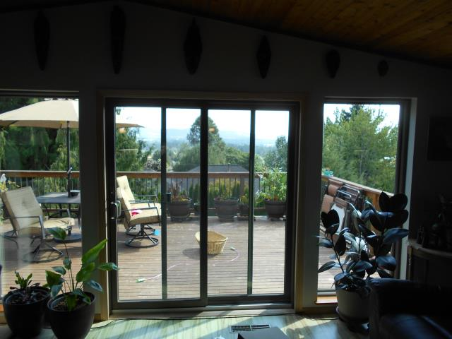 Dundee, OR - Our professional installers replaced 19 windows and 2 patio doors for this darling Dundee home!