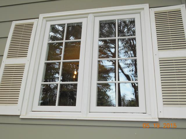 Dundee, OR - We installed 8 incredible replacement windows for this home!