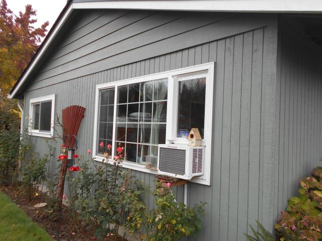 Forest Grove, OR - We replaced 1 patio door and a specialty window for this home!