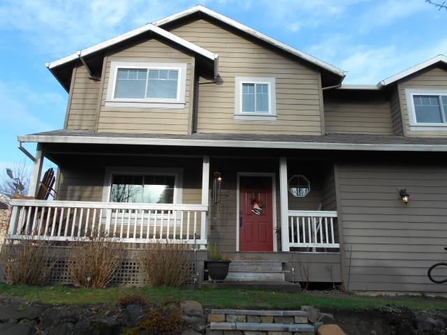 Forest Grove, OR - We replaced 12 windows in this beautiful home!