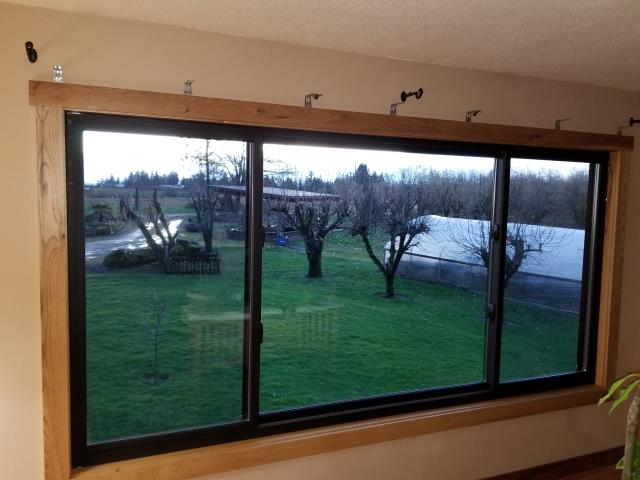 Newberg, OR - We installed 5 replacement windows for this sweet house in Newberg!