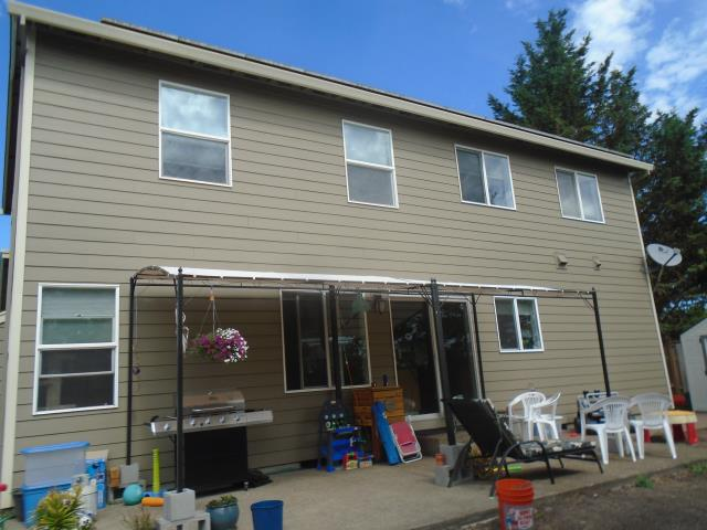 North Plains, OR - We installed 6 replacement windows for this amazing North Plains home!