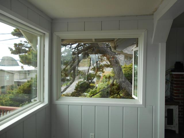 Tillamook, OR - We installed 11 replacement windows for this lovely home in Oceanside!