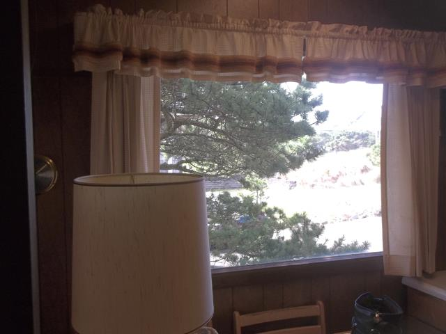 Cloverdale, OR - We installed 6 replacement windows for this lovely Pacific City home!
