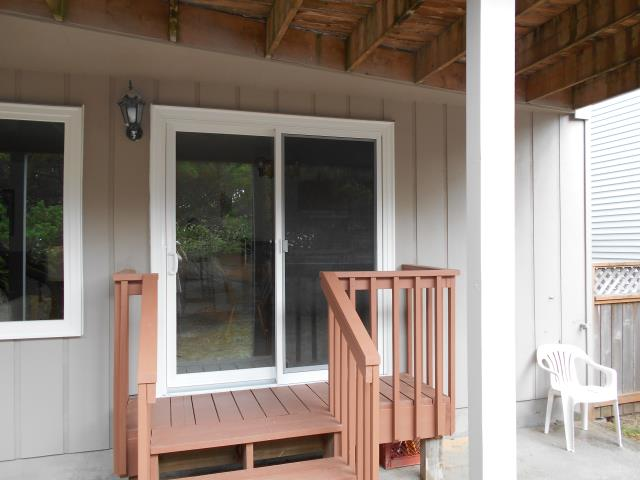 Rockaway Beach, OR - We replaced 10 windows and 1 patio door for this lovely Rockaway Beach home!