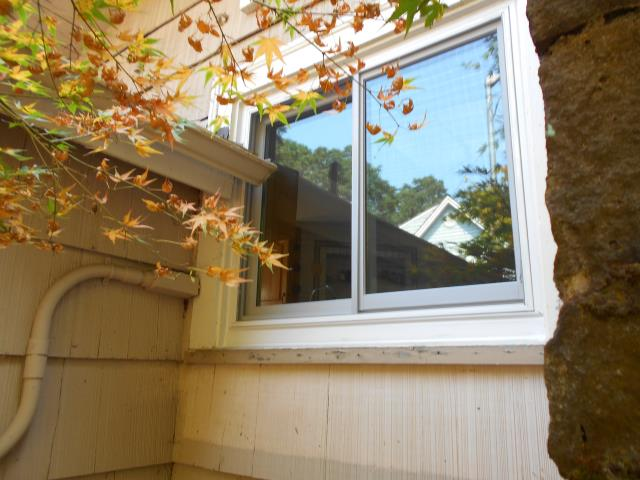 Milwaukie, OR - We installed 8 replacement windows for this home!