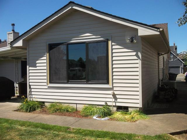 Keizer, OR - We installed 13 replacement windows and 1 patio door for this stellar home!