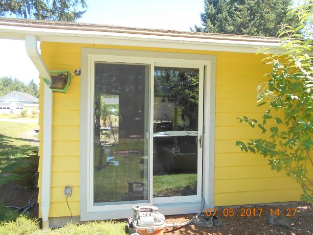 Salem, OR - We replaced 1 beautiful patio door for this amazing Salem house!