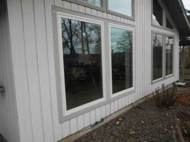 Albany, OR - We installed 4 replacement windows for this lovely home!