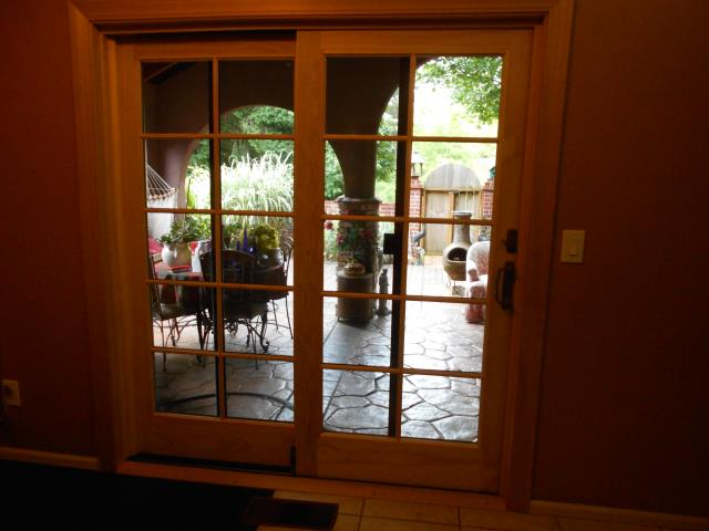 Albany, OR - We installed 1 replacement patio door and customized window for this home!