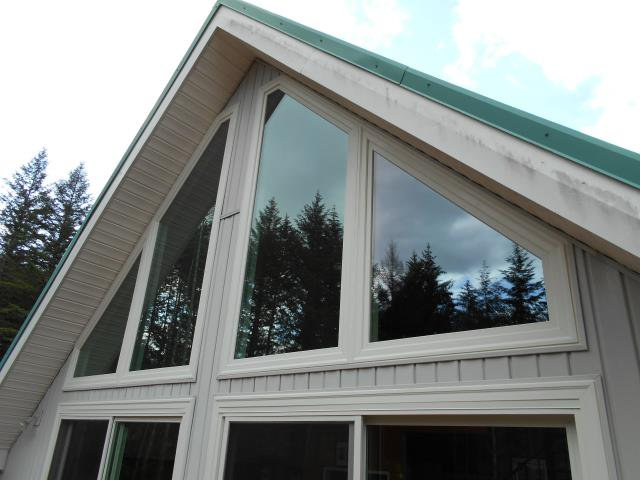Alsea, OR - We replaced 7 windows and 2 patio doors for this gorgeous house!