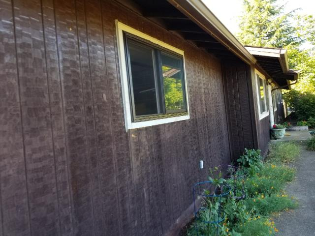 Dallas, OR - We installed 6 replacement windows for this home!