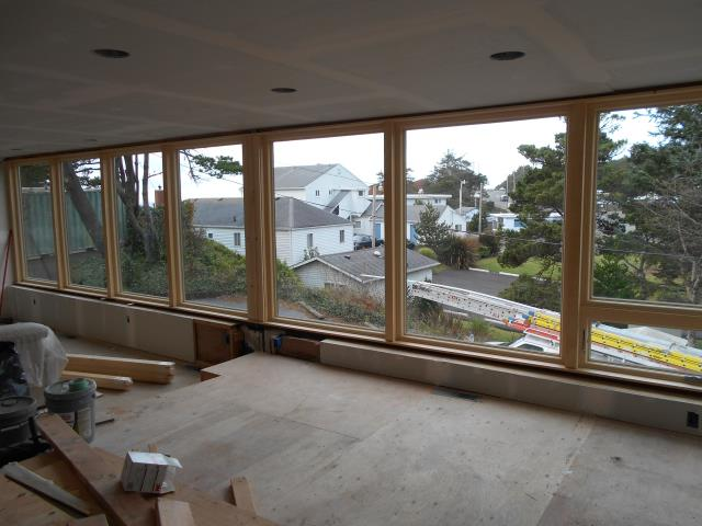 Lincoln City, OR - We installed 12 replacement windows for this home!