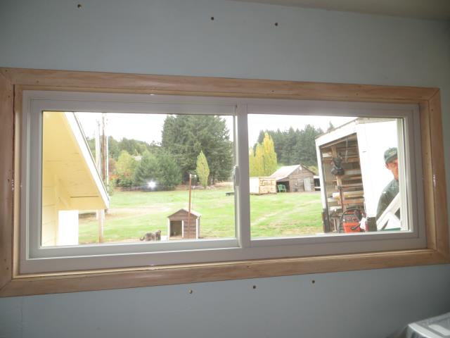 Scotts Mills, OR - We installed 15 replacement windows for this amazing home in Scott Mills!