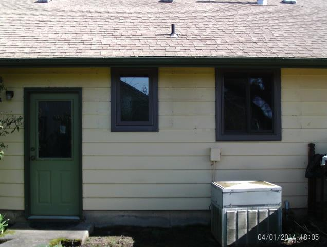 Silverton, OR - We installed 7 replacement windows for this gorgeous home!
