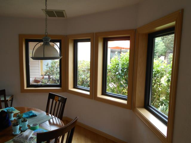 Eugene, OR - We installed 16 replacement windows for this home!