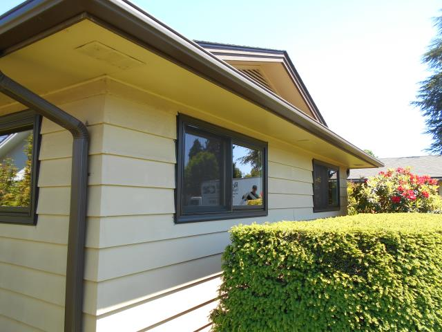 Eugene, OR - We installed 3 windows for this replacement window project!